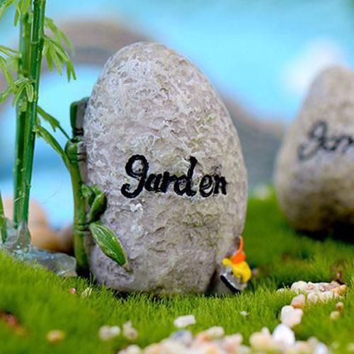 Dá khắc chữ Garden