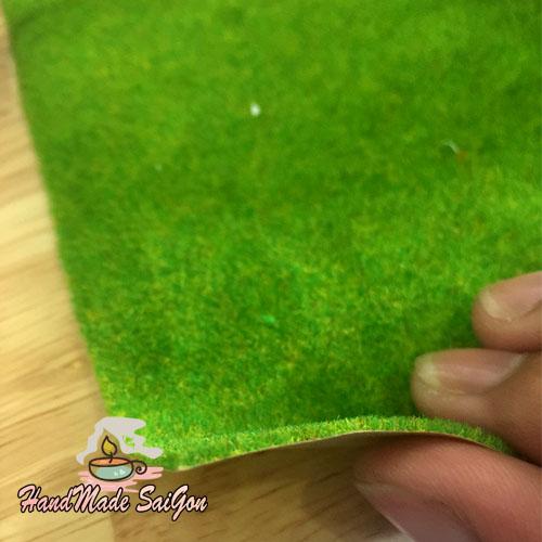 Thảm cỏ màu xanh vàng