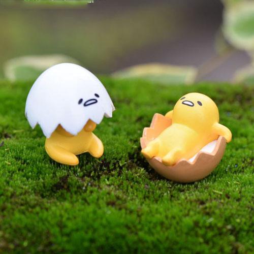 Gà con trong trứng