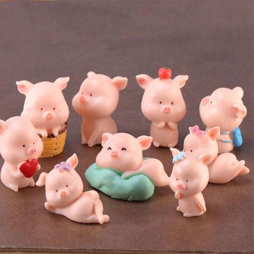 Lợn con tinh nghịch